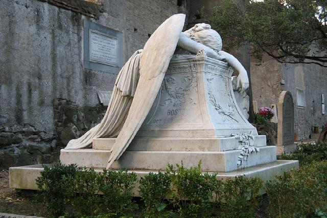 cimitero degli inglesi acattolico roma testaccio statua romantica una giornata a testaccio visita luoghi particolari