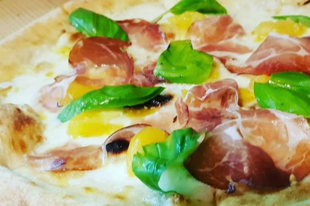 creola trepuzzi salento pub pizzeria streetfood