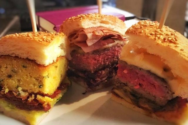 open baladin cento storico pub birreria hamburger gourmet ristoranti aperti fino a tardi a roma cena notte cucina espressa