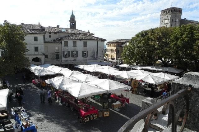 Tutti i mercatini dell 39 antiquariato in provincia di treviso - Mercatini vintage veneto ...