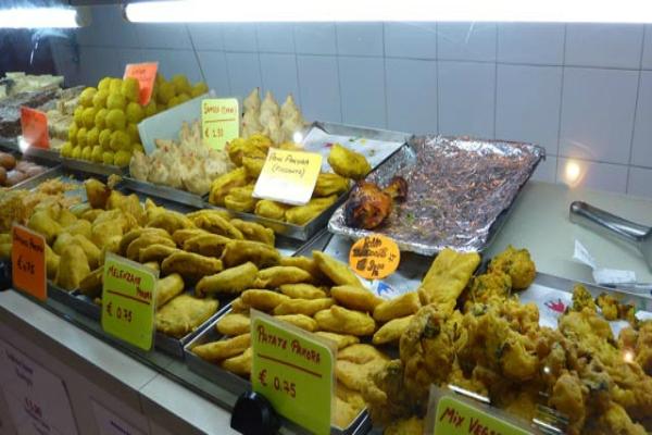 indian fast food indiano cucina street food cibo da strada esquilino piazza vittorio roma piccante peperoncino ti piace piccante 5 piatti hot