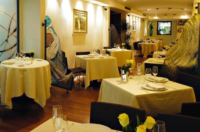 ristorante romano viareggio dove mangiare in versilia  https://www.facebook.com/romanoaviareggio/photos/a.836328343107003.1073741826.154850031254841/836328223107015/?type=3&theater