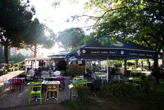 mangiare all'aperto roma barcellona caffè
