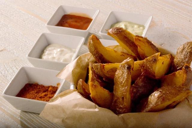 patatine fritte e salse