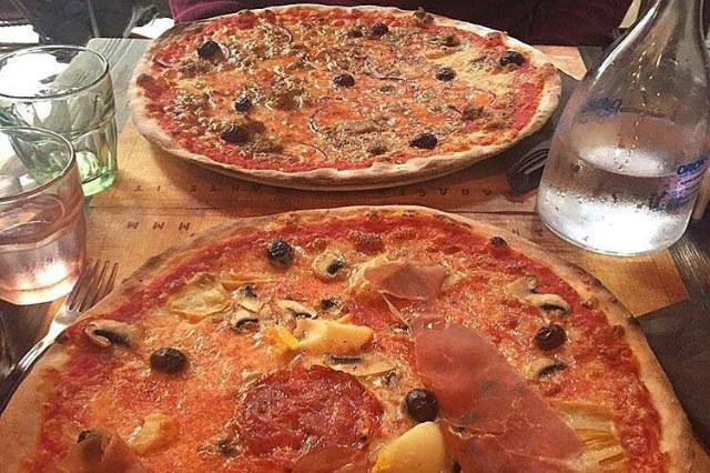 pizza fino a tardi roma la base via cavour monti nottambuli notte fonda cena tardi pizza forno a legna