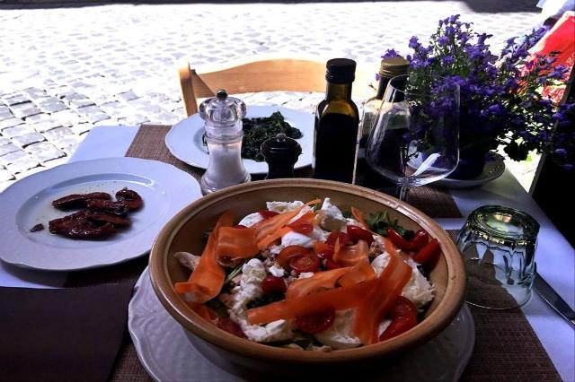 locanda giulietta e romeo roma centro storico fontana di trevi pranzo in trattoria pausa pranzo a roma a meno di 15 euro a persona