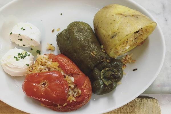 Cena a roma ecco i 5 ristoranti non tradizionali di trastevere che