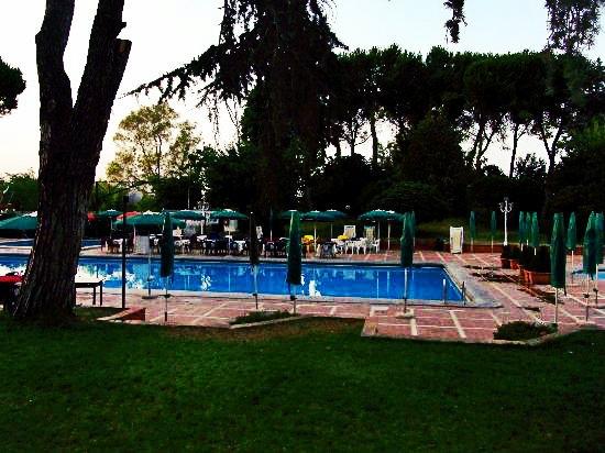 Dove rinfrescarsi in piscina a roma in estate for Centro sportivo le piscine guastalla