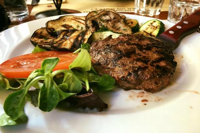 kilo restaurant roma nomentano migliori ristoranti di carne a roma hamburger gigante manzo kobe