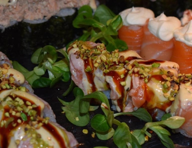 mode sushi, salmone, premium, qualità
