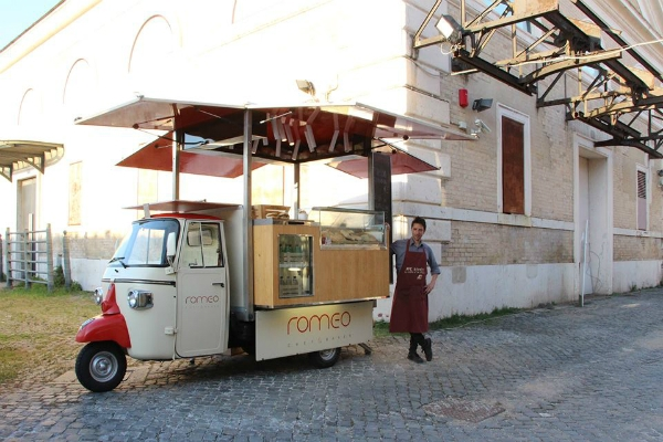 ape romeo roma street food panini gourmet bowerman ciabatta classifica 10 locali foodies romani preferiti