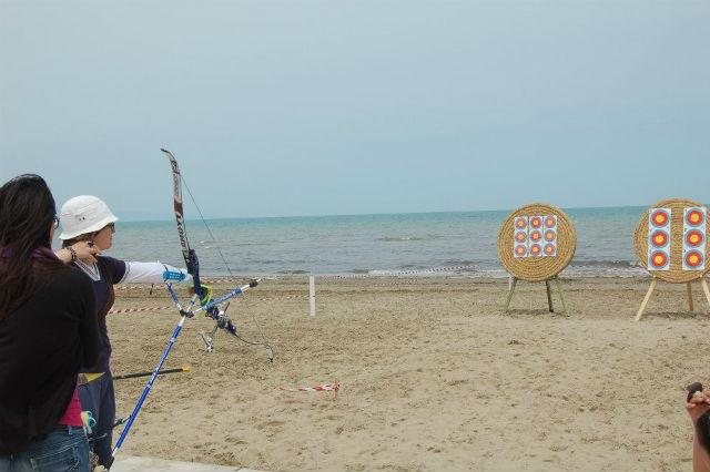 stabilimento balneare barletta bagno27 ponente foto da facebook https://www.facebook.com/bagno27ventisette/photos/a.243132729121303.39990.163984510369459/243133265787916/?type=3&theater