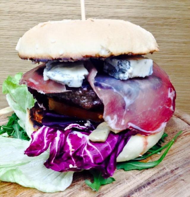 hamburger la barisienne mola di bari puglia