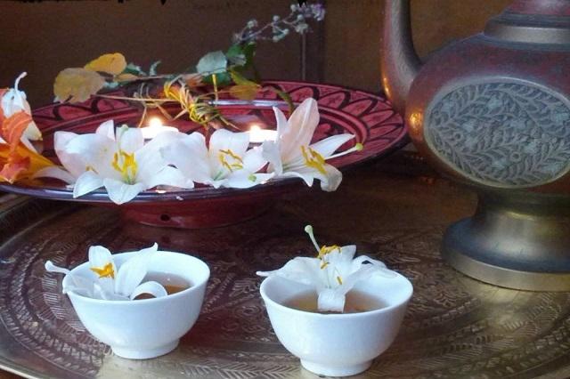 mago merlino tea house https://www.facebook.com/335831416527801/photos/a.335832216527721.72166.335831416527801/802228556554749/?type=3&theater