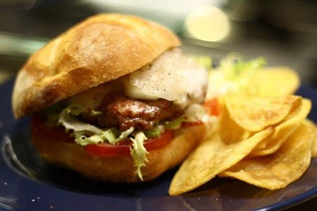 hamburger, mosto, matera