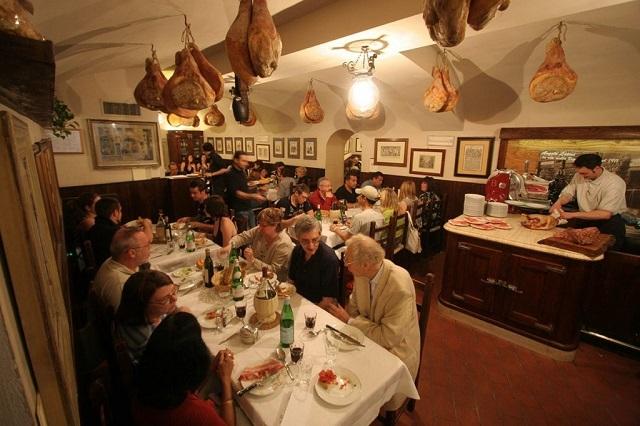 trattoria il latini esercizi storici fiorentini sito internet http://www.illatini.com/it/gallery/la-nostra-storia.18
