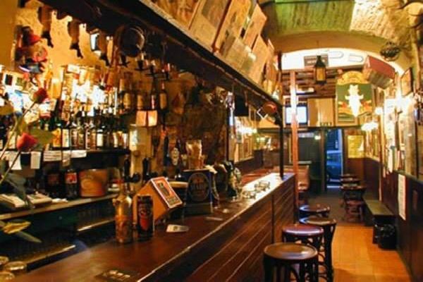 druid's den irish pub pub irlandese roma monti migliori pub irlandesi a roma guinness birra whiskey musica dal vivo