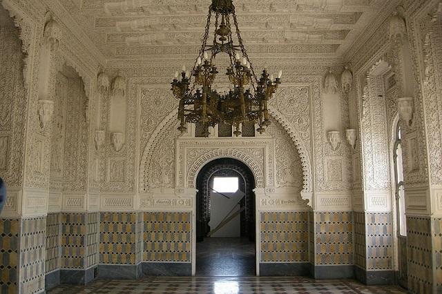 sala degli amori castello sammezzano wikipedia https://it.wikipedia.org/wiki/file:sammezzano,_sala_degli_amori_02.jpg