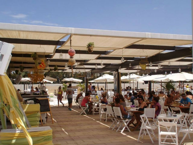 stabilimento balneare barletta ponente kiwi massawa foto di kiwi beach bar da facebook https://www.facebook.com/57130252780/photos/pb.57130252780.-2207520000.1463645630./10153118310677781/?type=3&theater