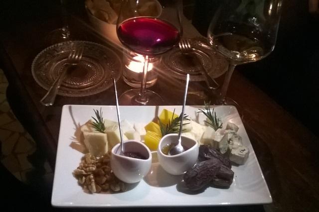 milano aperitivo gourmet appetizer vino cocktail enoteca bicerin