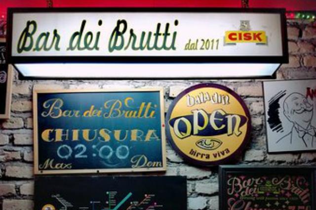 bar dei brutti san lorenzo dive bar roma bar di quartiere migliori dive bar di roma