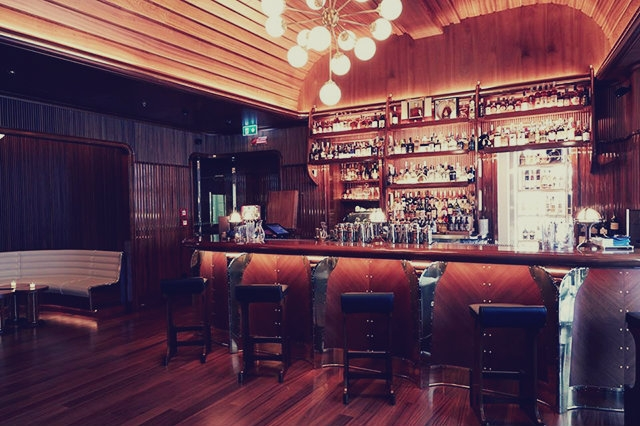 locali aperitivo milano bar octavius