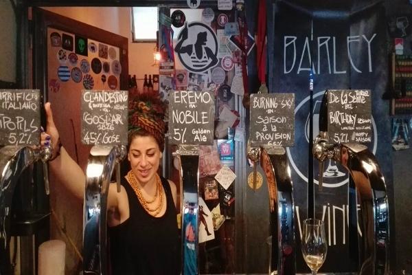 barley wine roma cinecittà pub birra alla spina birra artigianale aperitivo guida ai migliori aperitivi quartiere per quartiere quadraro