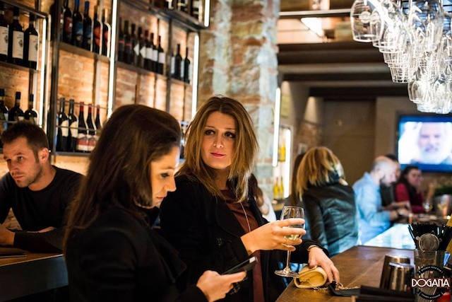 dogana winebar firenze enoteca https://www.facebook.com/doganawinbar/photos/a.1216853971723196.1073741835.1005853889489873/1216854308389829/?type=3&theater
