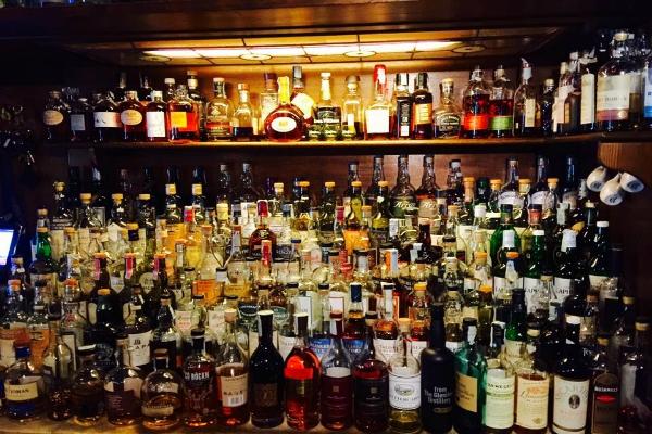 bon bock pub scottish scozzese scozia whisky 300 etichette roma portuense migliori scottish pub di roma birra spina