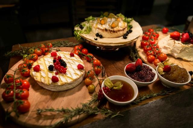 sapori dal mondo ristorante roma hotel a.roma allyoucaneat formaggi salumi pranzo cena