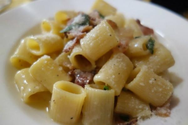 casetta rossa cucina popolare garbatella roma gricia guanciale pecorino secondo posto classifica migliori 10 gricie a roma