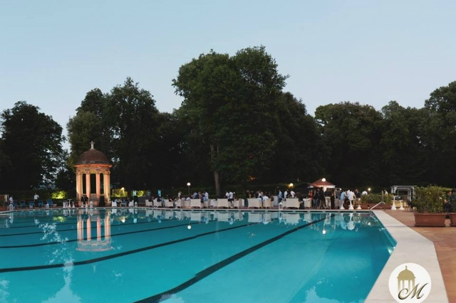 le pavoniere firenze piscina