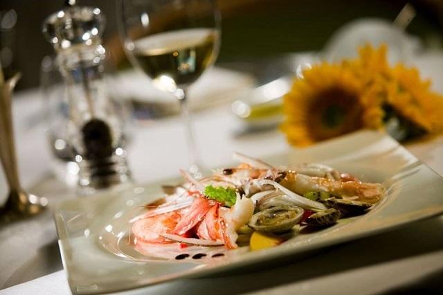 ristorante sant'elisabetta hotel brunelleschi cene di degustazione https://www.facebook.com/florence.hotel.brunelleschi/photos/pb.126274834051088.-2207520000.1446742030./1135048193173742/?type=3&theater