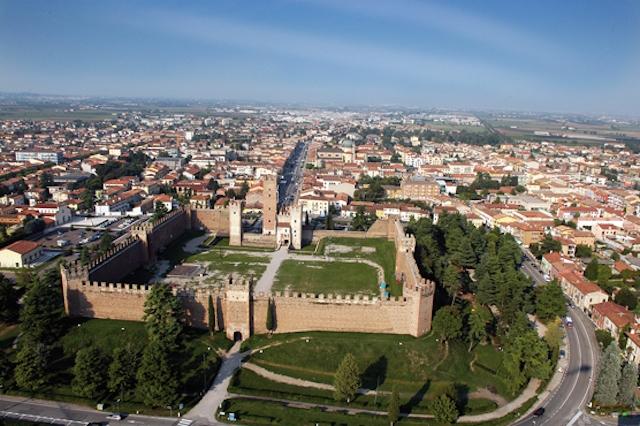 castello villafranca