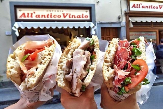 all'antico vinaio https://www.facebook.com/allanticovinaio/photos/a.344289109007616.1073741824.146643895438806/740146136088576/?type=3&theater