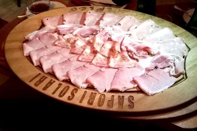 milano pranzo cena aperitivo affettati salumi formaggi botteghe degustazione sapori solari