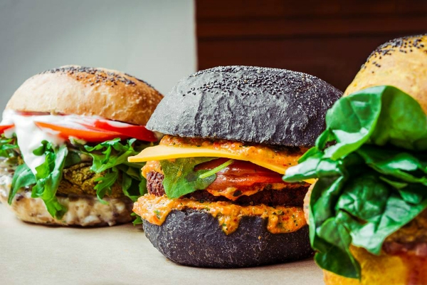 flower burger roma prati via dei gracchi marco bianchi cucina vegana vegan burger gourmet inaugurazione fast food nuove aperture roma ottobre