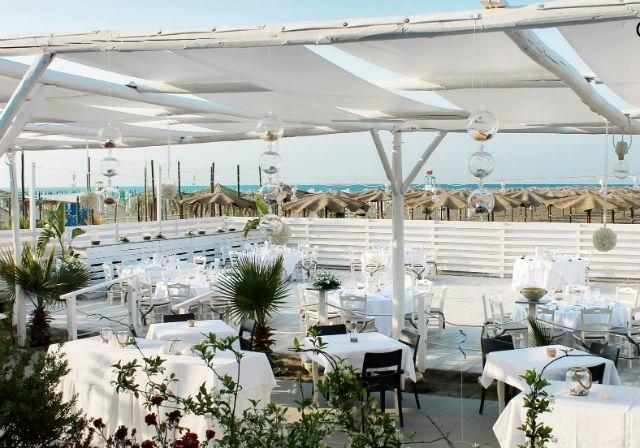 locali ristoranti margherita di savoia oasi beach foto da facebook https://www.facebook.com/ristoranteoasibeach/photos/a.1132814023400367.1073741826.253494131332365/1132813830067053/?type=3&theater