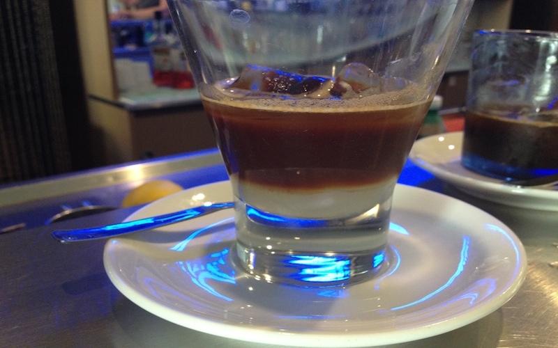 redattori licheri caffè in ghiaccio latte di mandorla 2