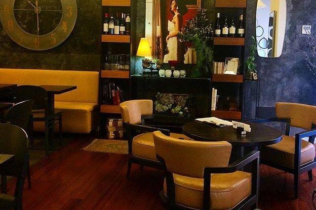 locali appuntamento lavoro roma bar monti