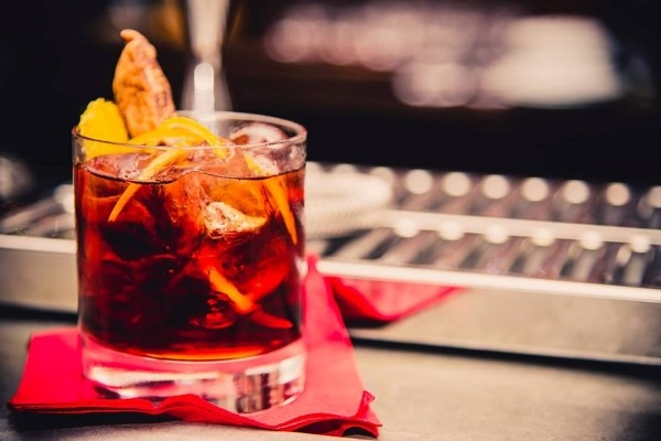 pimm's good cocktail mito carolina motta intervista roma cocktail bar trastevere
