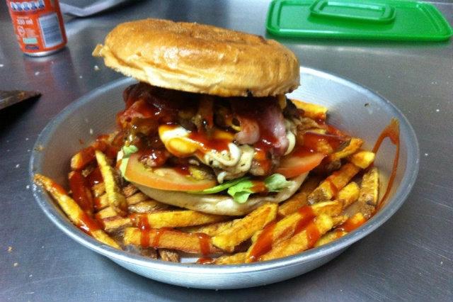 panini originali a napoli, bad boys, viaggiatore burger store, da facebook  https://www.facebook.com/viaggiatorepub/photos/pb.245807442098498.-2207520000.1447153953./791917014154202/?type=3&theater