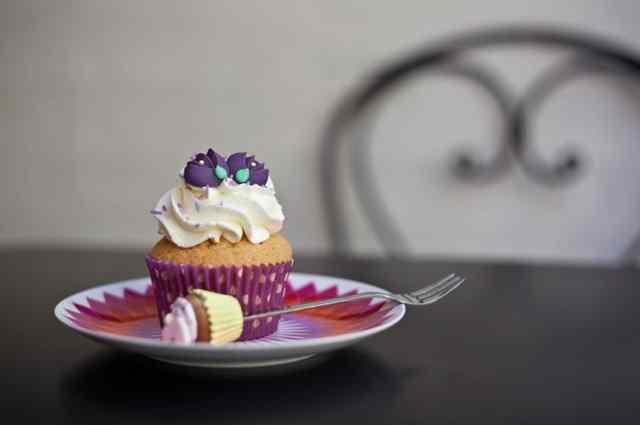 milano colazione brera cappuccino brioche croissant caffè di viole di liquirizia