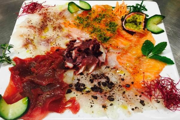 crudop pesce crudo carpaccio misto antipasto spigola salmone polpo ombrina nestor grojewski chef migliori antipasti di roma