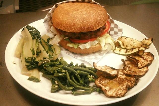 hamburger, mamarò cucina/emporio, castellaneta
