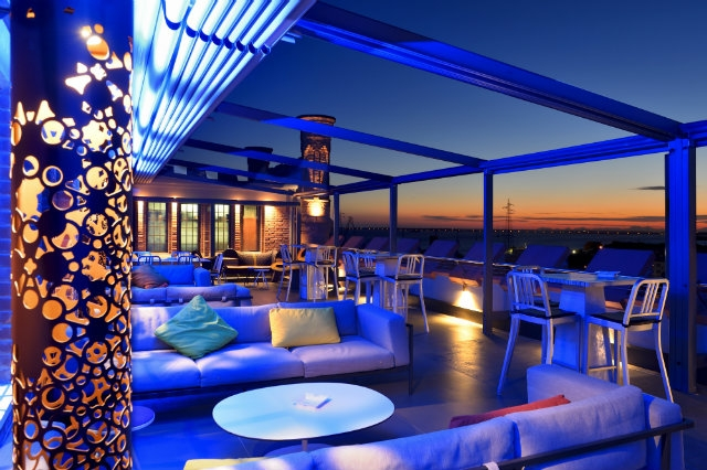 skyline roof top bar