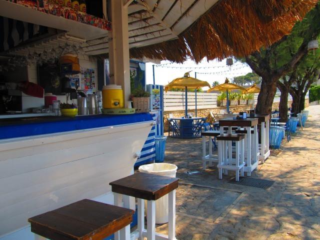 locali spiaggia bisceglie litoranea mare puglia sole estate a barraca divertimento