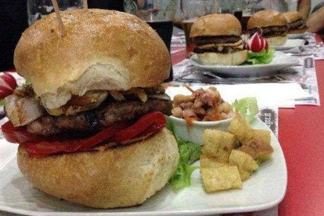 panini originali a napoli, luxury burger, black burger
