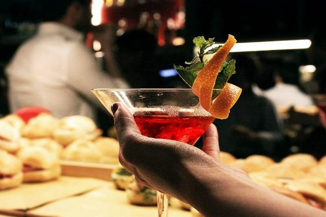 roma cocktail week estate romana 2017 eventi sera gastronomia beverage drink officine farneto