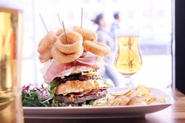 hamburger rosso roma